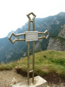 Busteni cross
