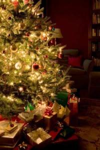 Christmas-tree-happy-holidays